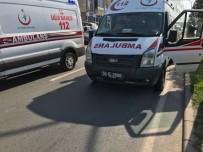 AMBULANS ŞOFÖRÜ - Ambulans Karşıdan Karşıya Geçen Çocuğa Çarptı Açıklaması 1 Yaralı