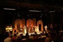 MEHMET ÖZGÜR - AŞT Perdelerini  'Oyun Oyun İçinde'  İle Açtı