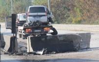 TİCARİ ARAÇ - Bariyerlere Çarpan Aracın Motoru Yerinden Fırladı Açıklaması 1 Yaralı