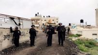 CENİN - İsrail 50 Filistinliyi Gözaltına Aldı