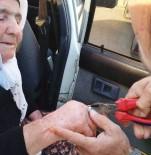 Yaşlı Kadının Parmağına Sıkışan Yüzüğü İtfaiye Çıkardı