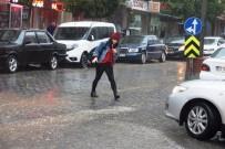 Aydınlılar Sağanak Yağmura Hazırlıksız Yakalandı