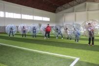 Erzurumlular Balon Futbolu İle Stres Atıyor