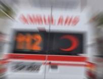 KARAYOLLARI - İşçileri taşıyan kamyonet kaza yaptı: Ölü ve yaralılar var