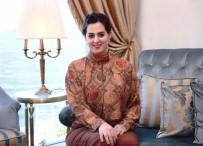 NİLHAN OSMANOĞLU - Nilhan Osmanoğlu'ndan Abdülmecid Efendi'nin Evinde Açılan Nü Sergisiyle İlgili Açıklama Açıklaması