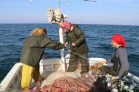 BALIK TUTMA - Rize'nin Kadın Balıkçıları
