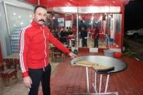YILDIRIM DÜŞTÜ - Antalya'da Kafeye Düşen Yıldırım Masayı Parçaladı