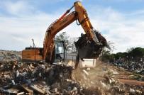 KÜÇÜKKÖY - Ayvalık'ta Küçükköy Çöplük Yolu Temizleniyor