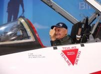 TÜRK HAVA KUVVETLERI - Başbakan Yıldırım, savaş uçağı kokpitinde