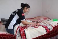 BEBEK BAKIMI - Burhaniye'de Minik Ellere Belediye Desteği