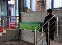 GÜZELYALı - Eylem Gülçin Kanık'ın Cenazesi Anneannesinin Mezarına Defnedildi