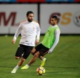 FLORYA METIN OKTAY TESISLERI - Galatasaray, Günü Çift Antrenmanla Tamamladı