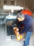 YAKIT TASARRUFU - İzmit Belediyesi'nin Isıtma Sistemleri Bakımdan Geçti