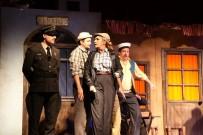 ERSOY ARSLAN - 'Şoför Nebahat' Manisalı Tiyatroseverlerden Tam Not Aldı