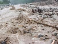 GALATA - Askeri araç sele kapıldı: 1 asker kayıp