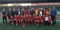 ZAFER GÜLER - U14'ün Şampiyonu Anadolu Selçukluspor Kupasını Aldı
