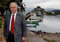 CHP'li Bektaşoğlu Giresun'a Projeli Barınak Ve Balık Hali İstedi