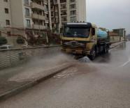 KALDIRIMLAR - Körfez'de Cadde Ve Sokaklar Yıkanıyor