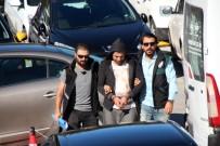 BÜYÜK İSKENDER - Motosikletten Uyuşturucuları Atarken Kıskıvrak Yakalandı