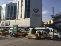 TAKSİ DURAKLARI - Taksi Durağından 32 Araçlık İşgal