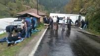 Tur Otobüsü Devrildi Açıklaması 13 Yaralı