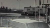 ORHANLı - Tuzla'da Otomobil Tıra Çarptı Açıklaması 2 Yaralı