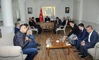 HAMI MANDıRALı - Ünlü Futbolculardan Vali Zorluoğlu'na Ziyaret