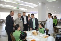 İLHAMI AKTAŞ - Vali Aktaş, Kardelen Koleji'ni Ziyaret Etti