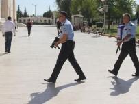 CUMA HUTBESİ - Camideki Şüpheli Şahıs Polis Çıktı