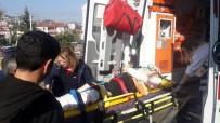 AHMET ER - Hafriyat Kamyonunun Altında Kalan 93 Yaşındaki Adam Ağır Yaralandı