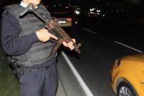 MİLLET CADDESİ - İstanbul'da 200 noktada polis uygulaması