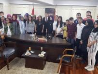 MUSTAFA ÇALIŞKAN - İstanbul Emniyet Müdürü Çalışkan'dan Öğrencilere Jest