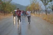 Karaman'da Öğrenciler Cumhuriyet İçin Koştu