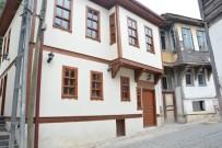 BAKI ERGÜL - Kuruçeşme Sokak'taki Binalar Restore Ediliyor
