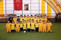 FUTBOL TURNUVASI - Okullar Arası Futbol Turnuvası Başladı