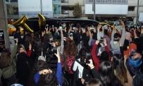 VOLKSWAGEN - Atatürk Havalimanı'nda Güney Koreli Müzik Grubu İzdihamı