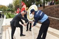 AHMET DENIZ - Batman'da 29 Ekim Cumhuriyet Bayramı Kutlamaları Çelenk Sunumuyla Başladı