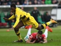 FRANKFURT - Borussia Dormund'a Bir Darbe De Hannover 96'Dan