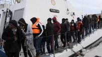 ORTA AFRİKA - Çeşme'de Ölüme Yolculukta Yine 104 Göçmen Yakalandı