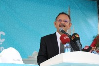 MEHMET ÖZHASEKI - Çevre Ve Şehircilik Bakanı Özhaseki Açıklaması 'Bin Bir Türlü Belaya Karşı Dimdik Ayaktayız'