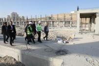KAPALI ALAN - Çiftçi, Fuar Merkezi İnşaatını İnceledi