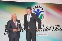 YÜKSEK İSTIŞARE KONSEYI - GAGİAD'ın 'Eğitim' Ödülünün Sahibi İnal Aydınoğlu Oldu