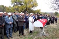 YILDIRIM DÜŞMESİ - İntihar Eden Gazi Askeri Törenle Defnedildi