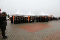 ŞANLIURFA VALİSİ - Şanlıurfa'da Şehitler Anıtına Çelenk Konuldu