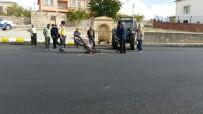 Traktör İle Motosiklet Çarpıştı Açıklaması1 Yaralı