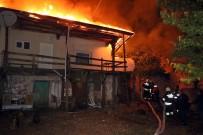 KÖY MUHTARI - Yozgat'ta Tandır Ateşi 3 Evi Yaktı