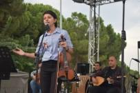 ABDULLAH UÇGUN - Alaşehirliler Türkülerle Coştu