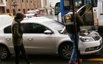 BOMBA İMHA UZMANLARI - Araç Koltuğunun Altından Sarkan Kablolar Bomba Paniğine Neden Oldu