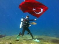 DALYAN - Dalgıçlar Cumhuriyet Bayramı'nı Denizin Altında Kutladı