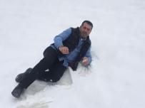 SARıCAN - Doğu'da Yüksek Kesimlere Kar Yağdı